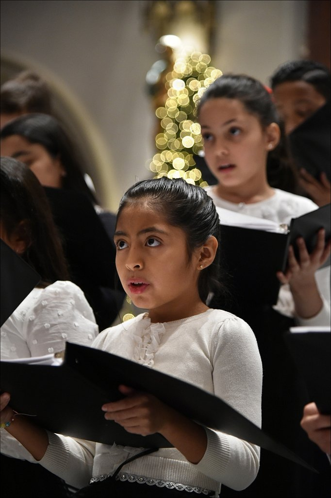 Singing the Sounds of Christmas